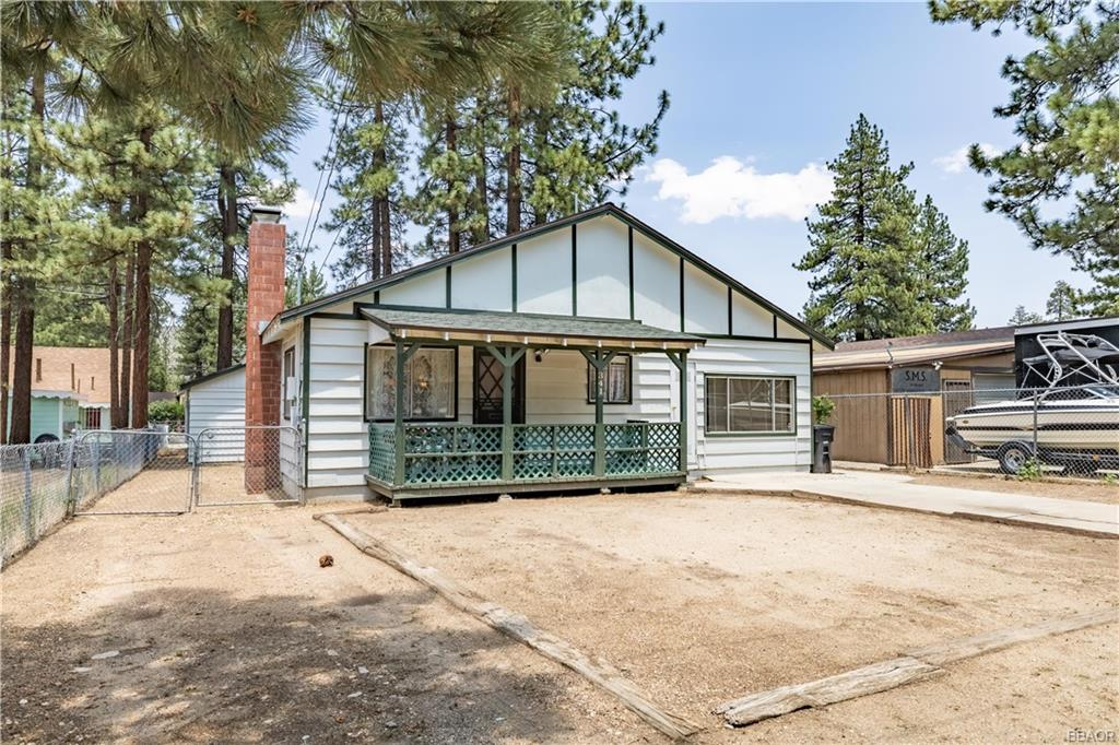 341 W Mojave Boulevard Property Photo 1