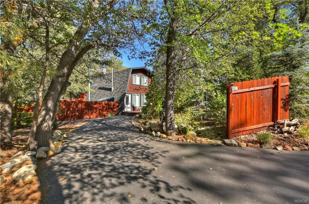 463 Santa Barbara Avenue Property Photo