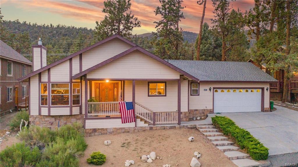 42589 Bear Loop Property Photo 1