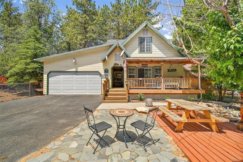 704 Temple Lane Property Photo 1