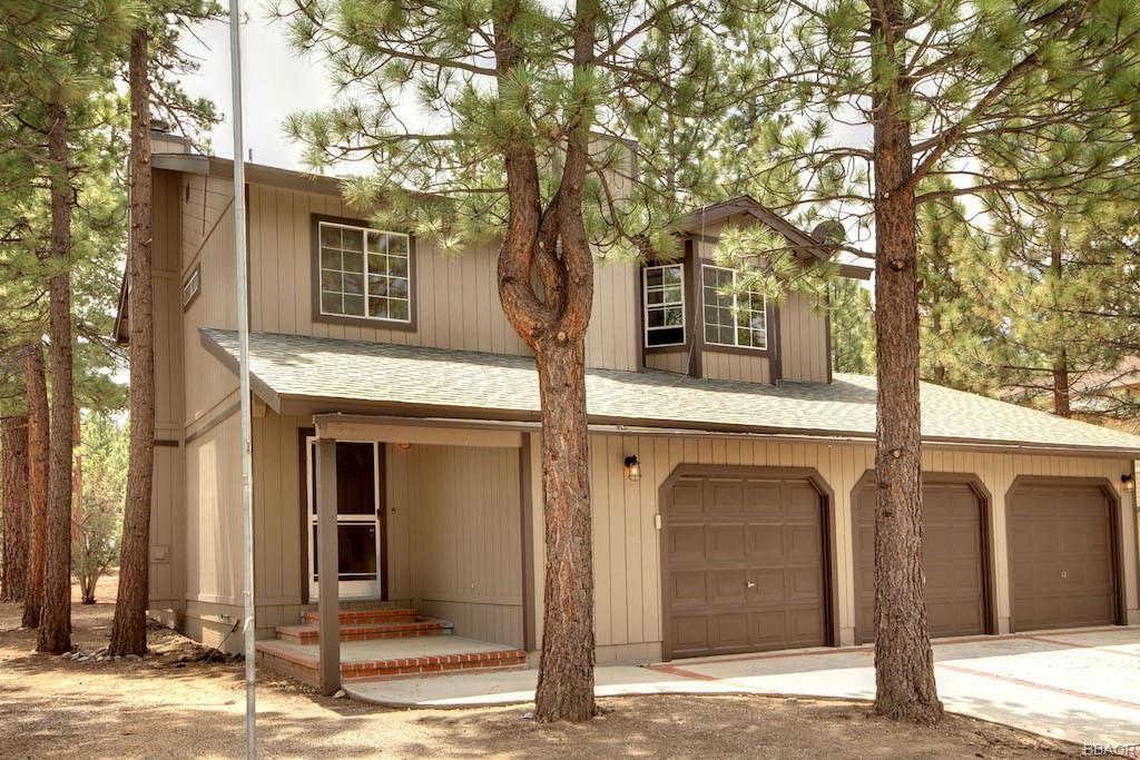442 E Fairway Boulevard Property Photo 1