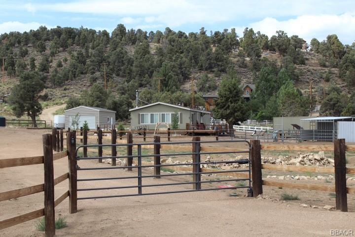 46903 Pioneertown Drive Property Photo 1