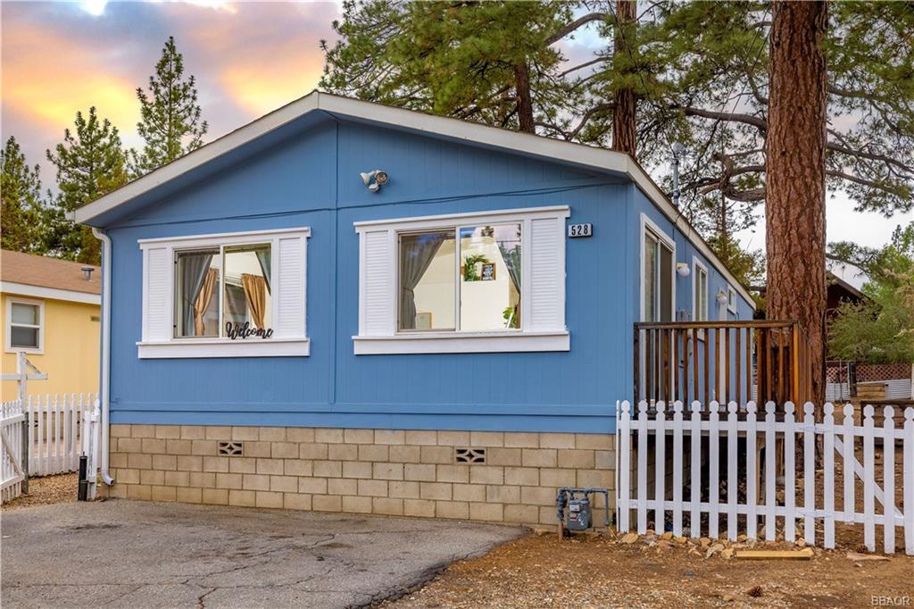 528 Pine Lane Property Photo 1