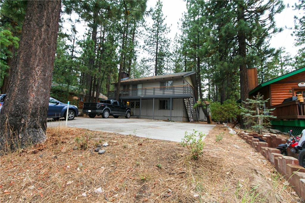 732 Summit Boulevard Property Photo 1