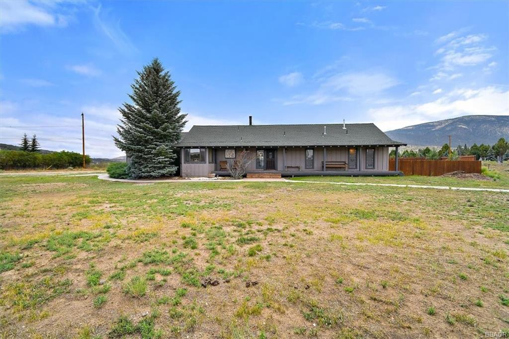 581 Lakewood Drive Property Photo 1
