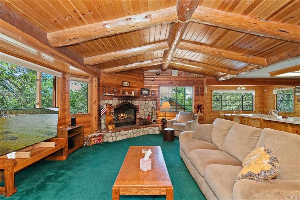 1365 La Crescenta Drive Property Photo 1