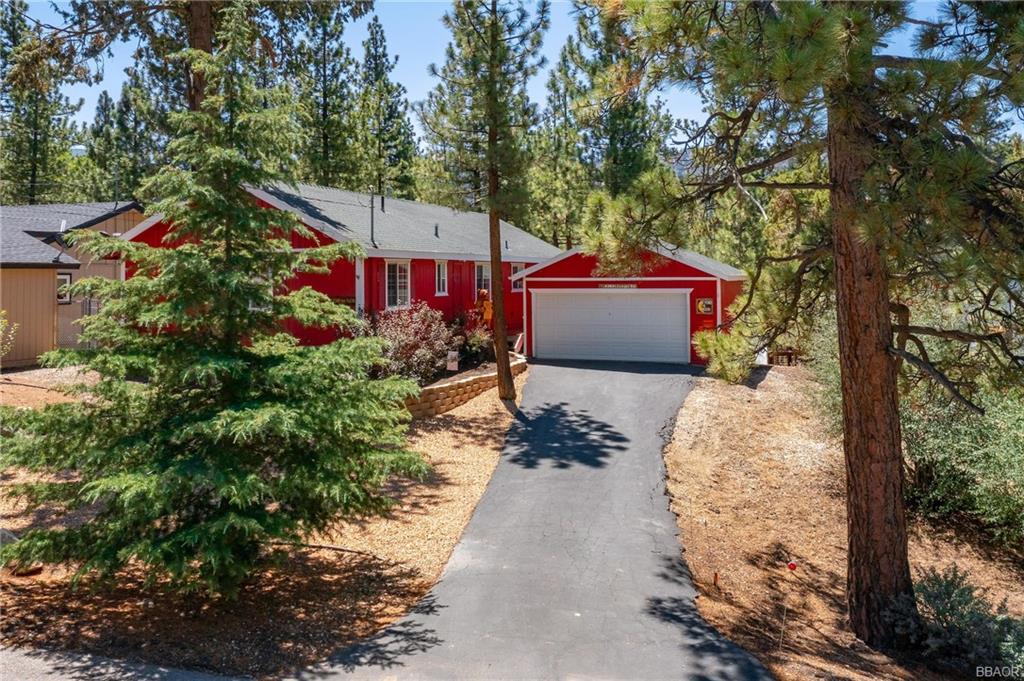 42821 Cougar Road Property Photo 1