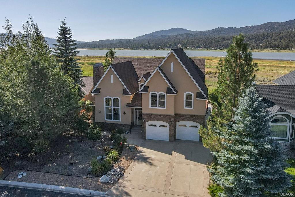 370 Meadow Circle N Property Photo 1
