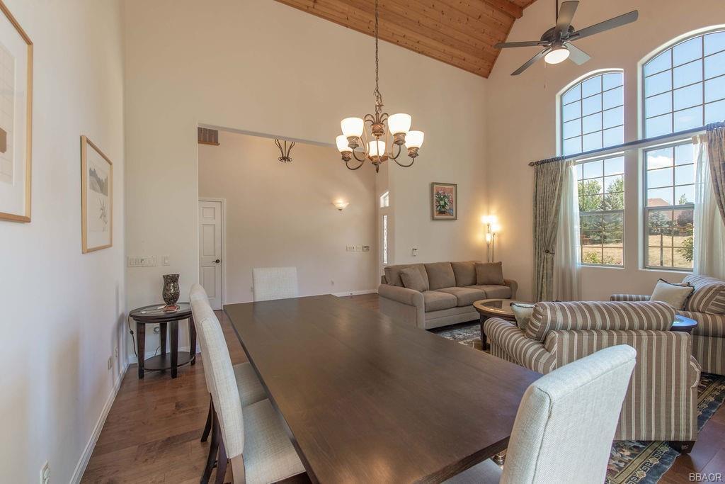 370 Meadow Circle N Property Photo 16