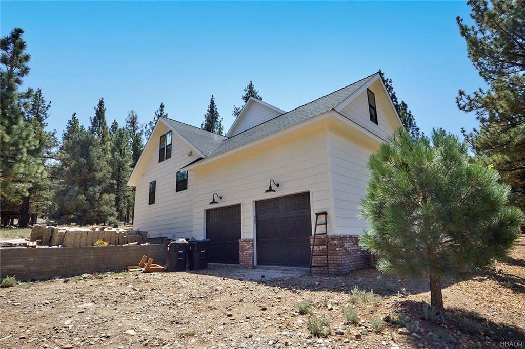 2810 Cedar Lane Property Photo 4