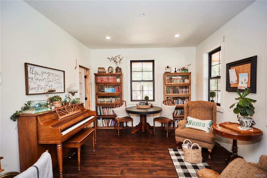 2810 Cedar Lane Property Photo 9