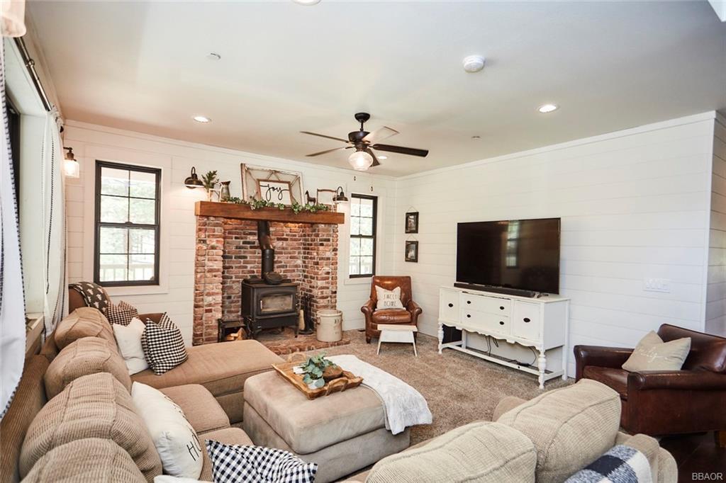 2810 Cedar Lane Property Photo 11