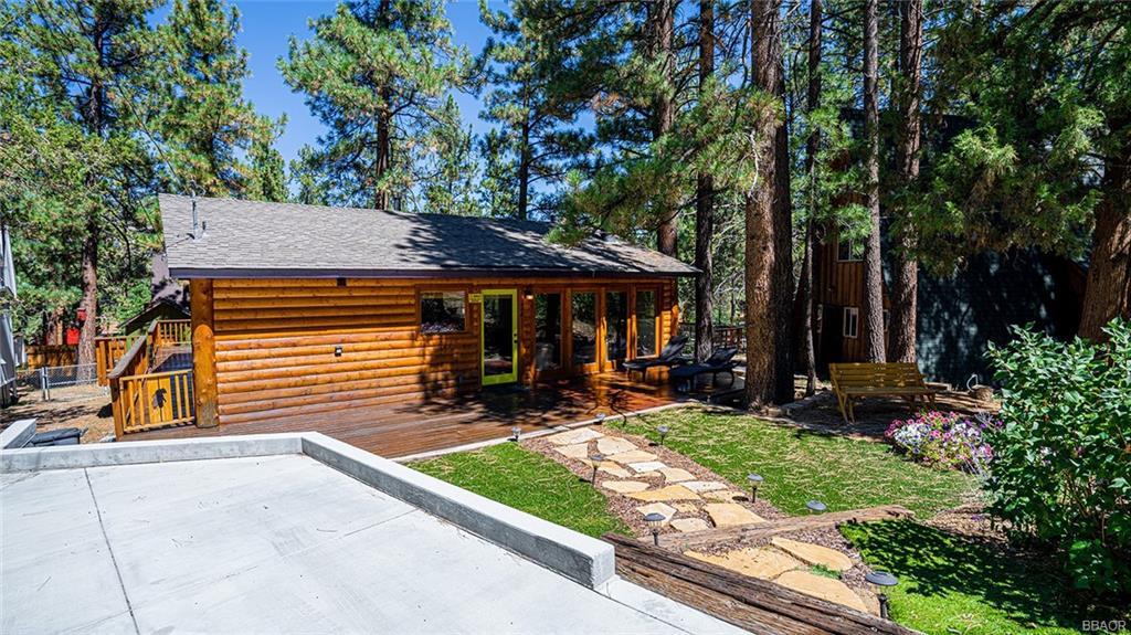 409 East Kean Way Property Photo 1