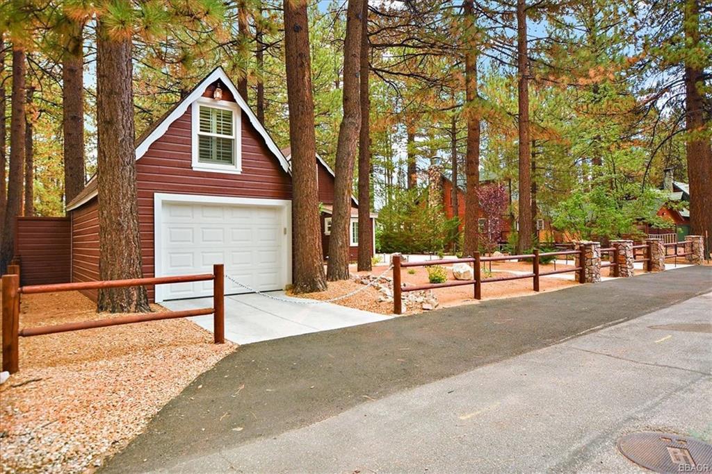 551 Timber Lane Property Photo 1