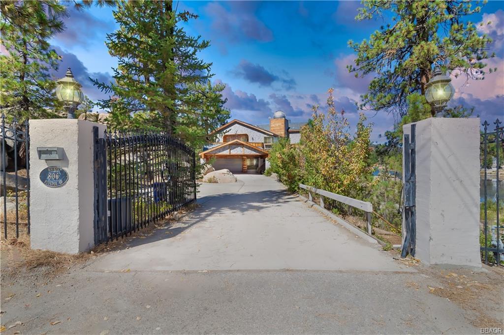 806 Boulder Road Property Photo 3