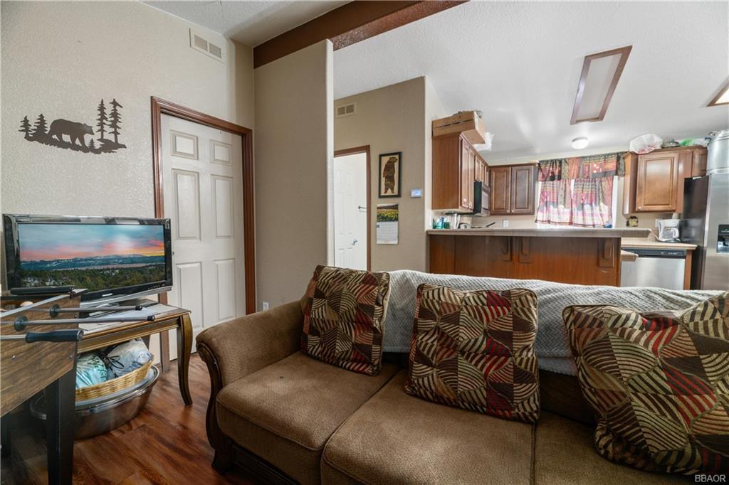400 Jeffries Road Property Photo 6