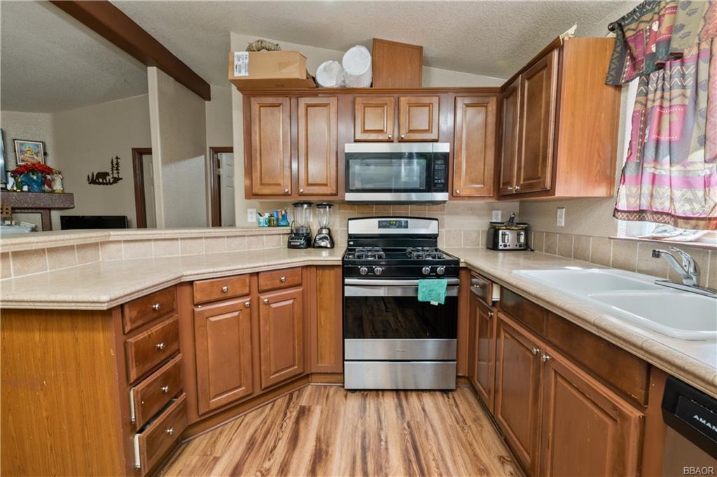 400 Jeffries Road Property Photo 10