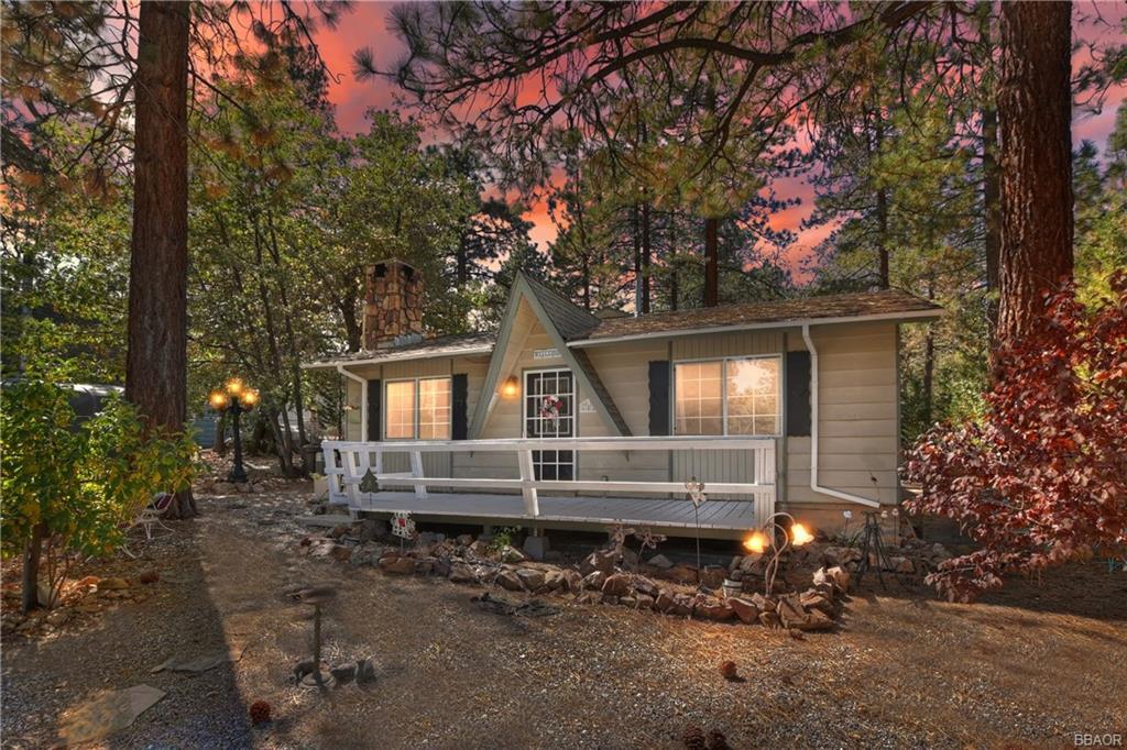 682 Maple Lane Property Photo