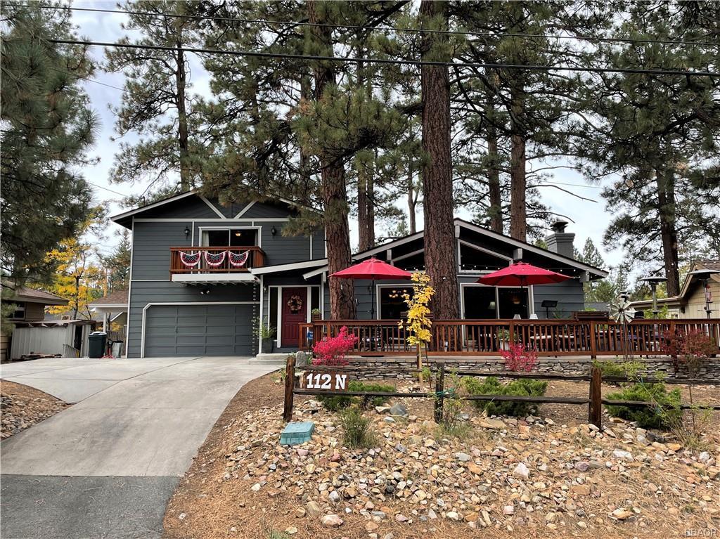 112 North Eureka Drive Property Photo 1