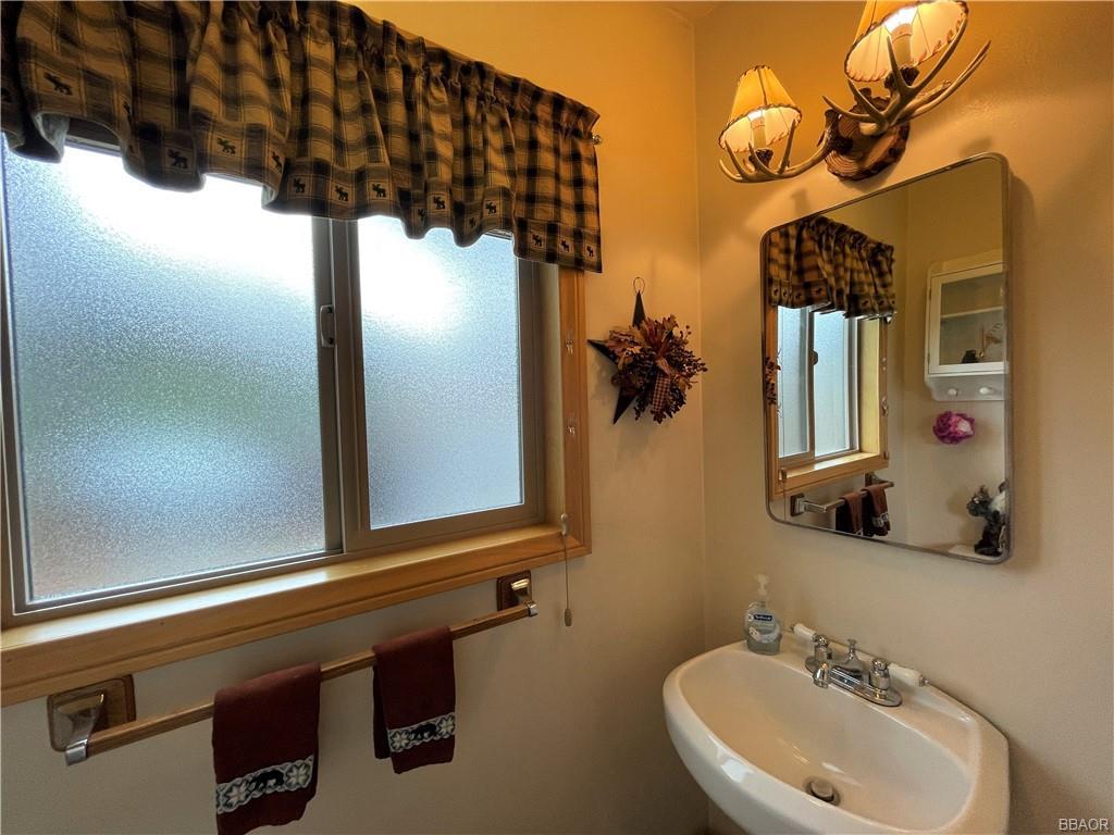 112 North Eureka Drive Property Photo 16