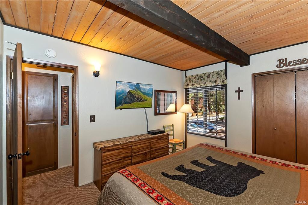 41935 Switzerland Drive 8 Property Photo 5
