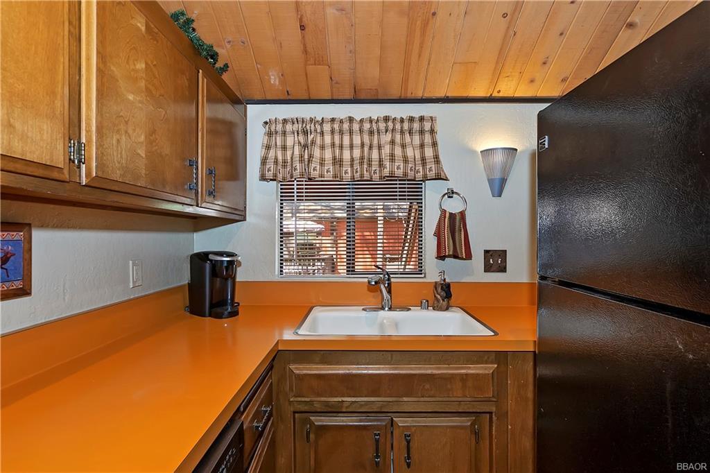 41935 Switzerland Drive 8 Property Photo 23