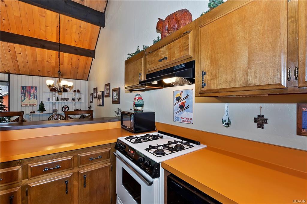 41935 Switzerland Drive 8 Property Photo 25