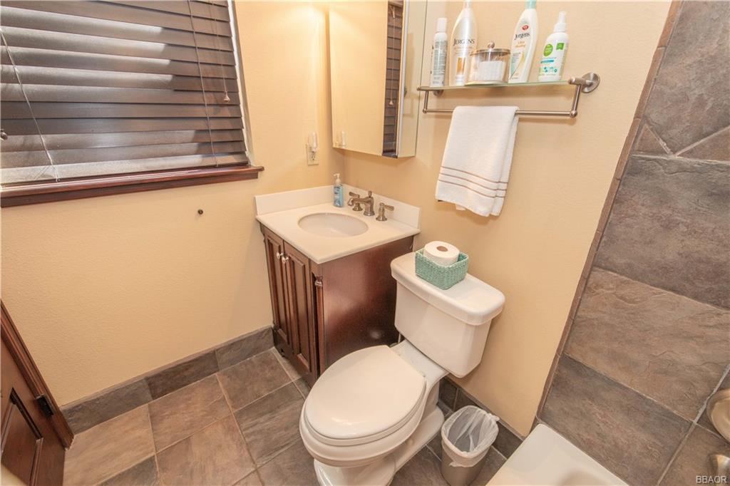 39907 Lakeview Drive Property Photo 36