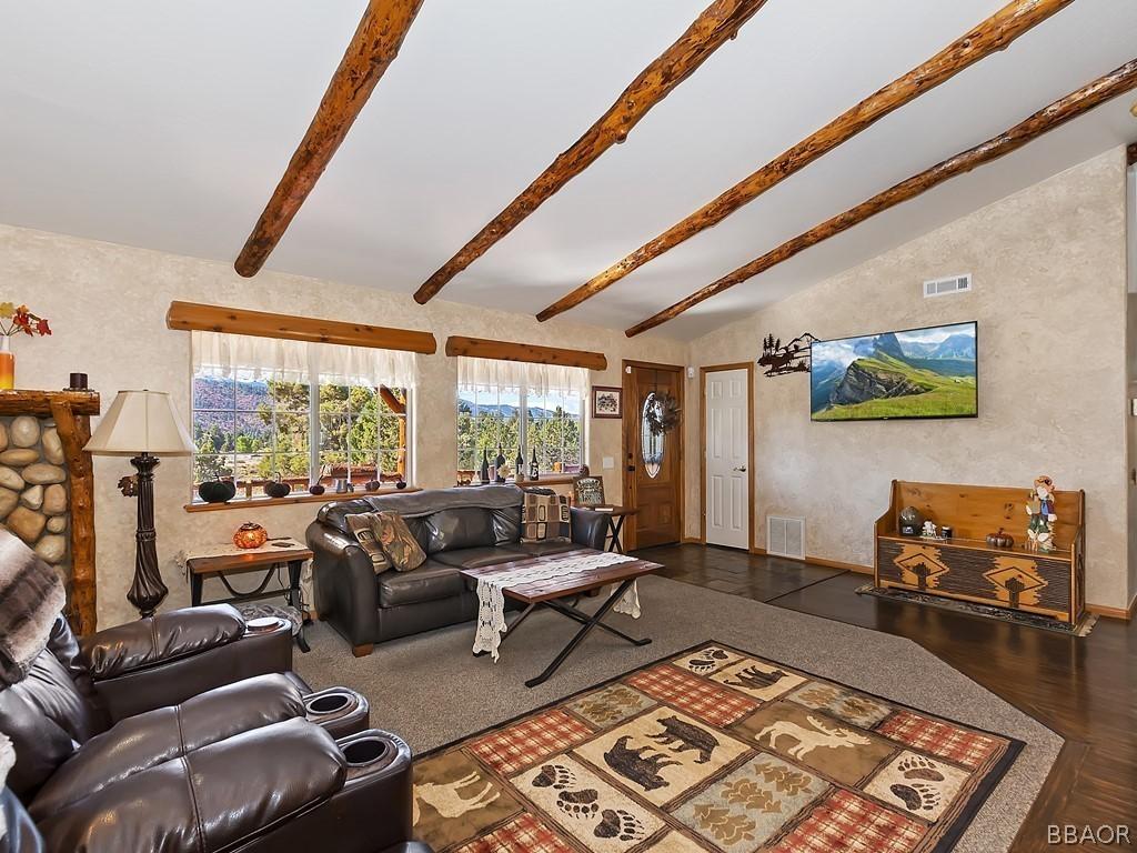 1315 Spruce Lane Property Photo 4