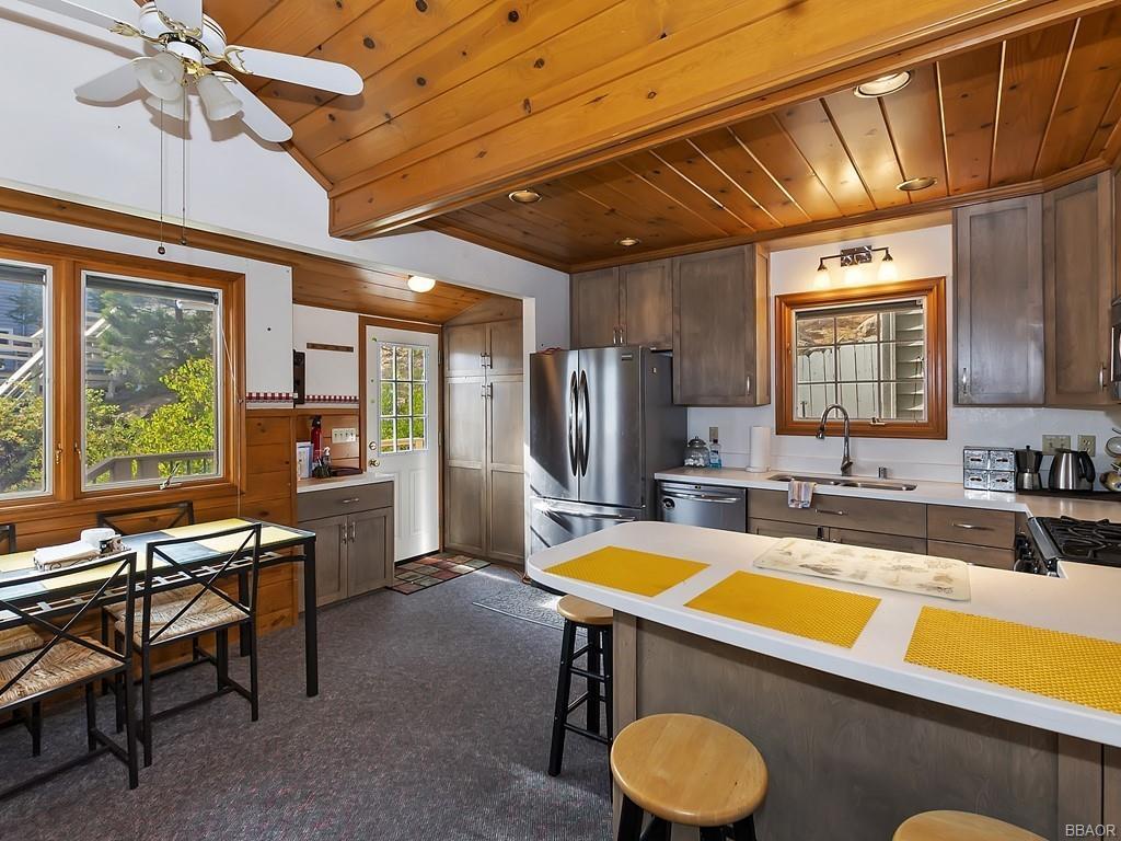 38640 North Shore Drive Property Photo 6