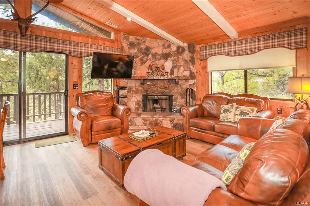 43766 Yosemite Drive Property Photo 6