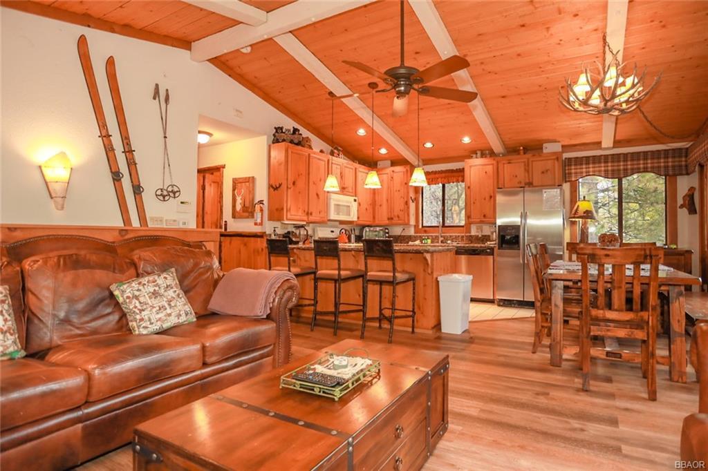 43766 Yosemite Drive Property Photo 8