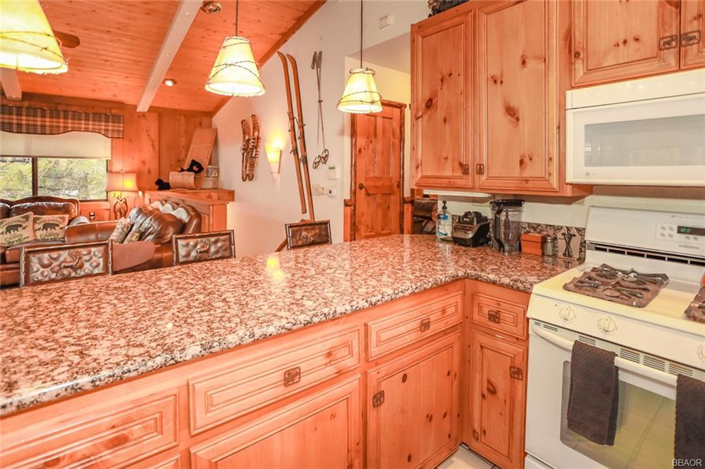43766 Yosemite Drive Property Photo 12