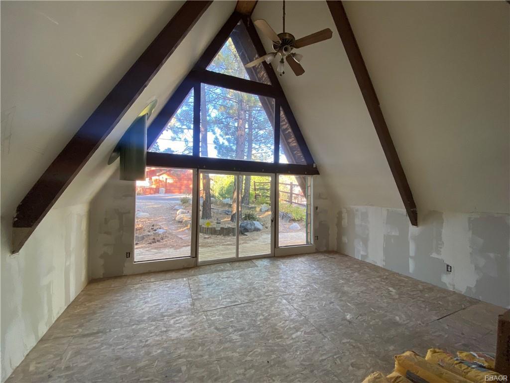 43628 Ridge Crest Drive Property Photo 2