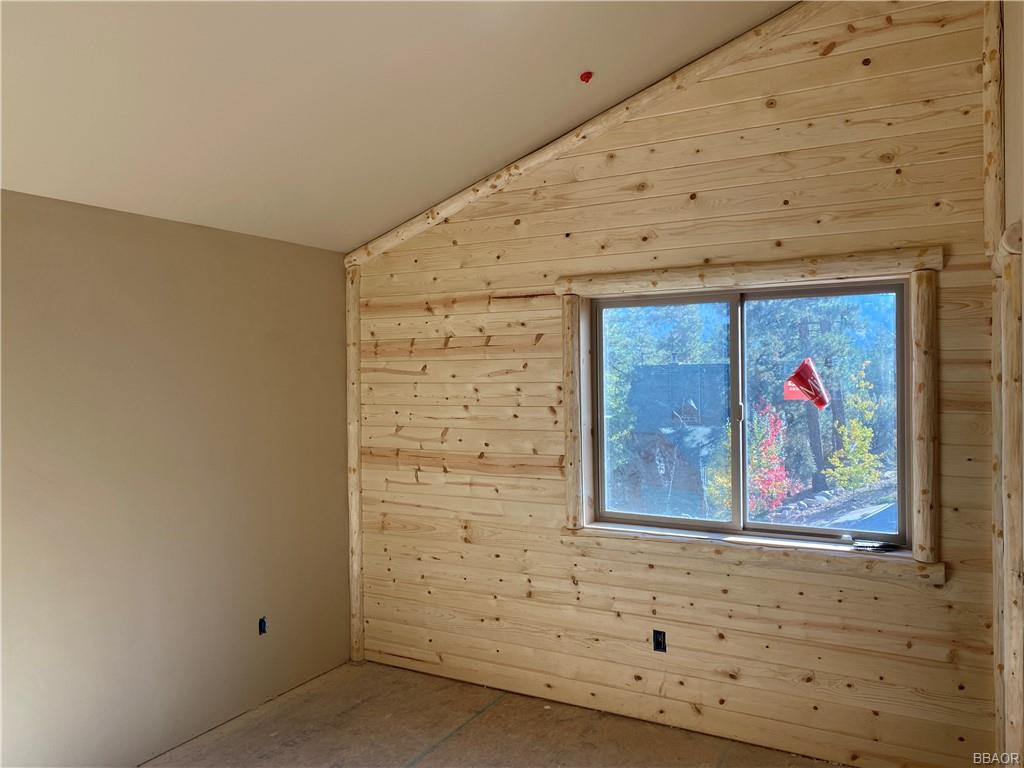 195 Teakwood Drive Property Photo 16