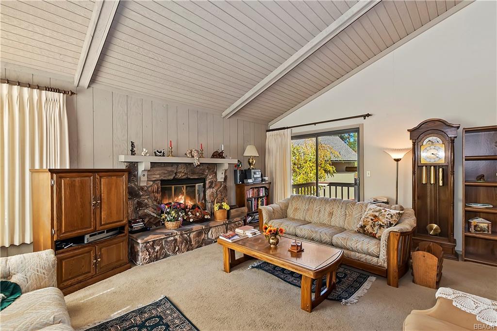 412 Tanglewood Drive Property Photo 7