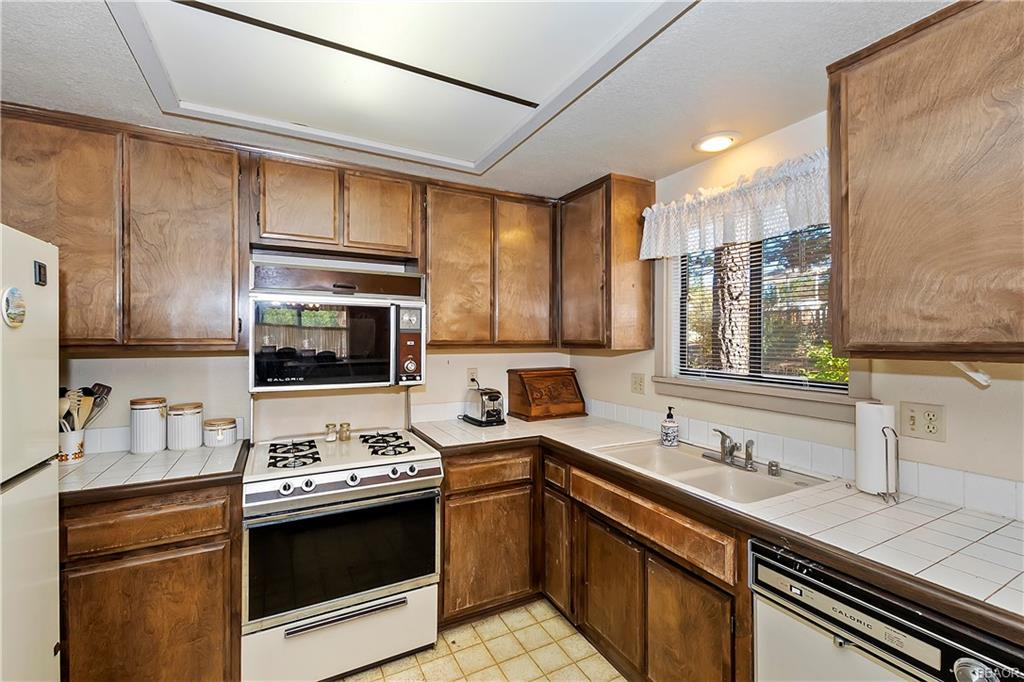 412 Tanglewood Drive Property Photo 11