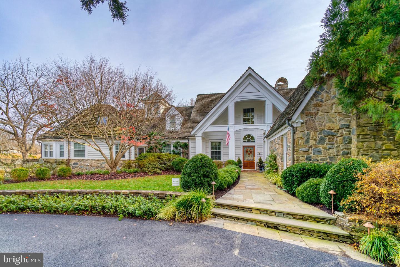 945 Melvin Road Property Photo