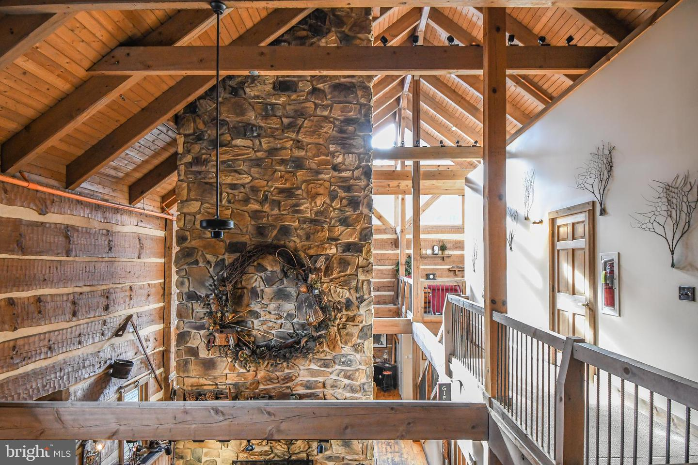 1600 Mount Aetna Property Photo 17