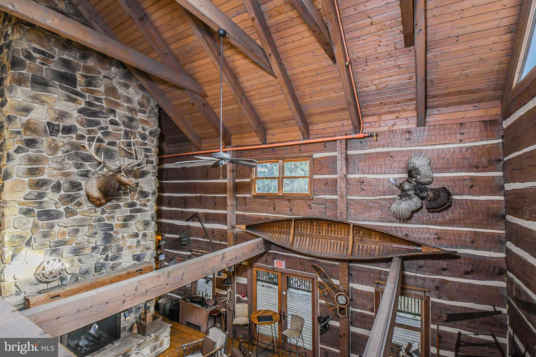 1600 Mount Aetna Property Photo 18
