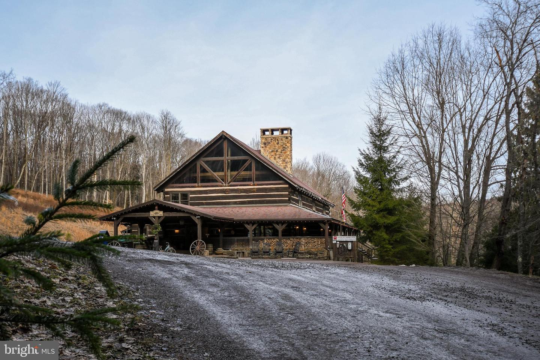 1600 Mount Aetna Property Photo 22