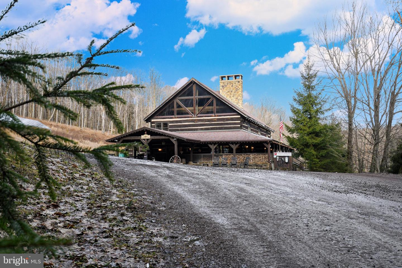 1600 Mount Aetna Property Photo 23