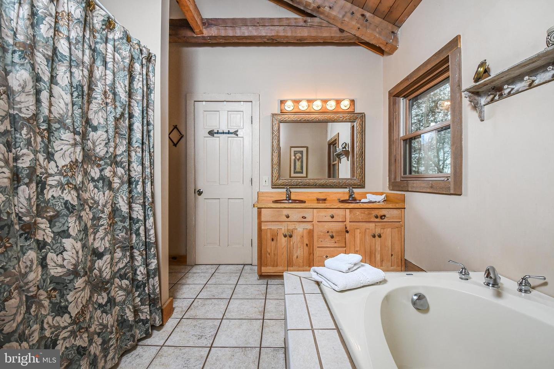 1600 Mount Aetna Property Photo 38