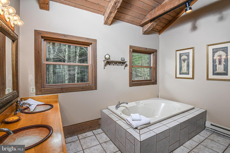 1600 Mount Aetna Property Photo 40