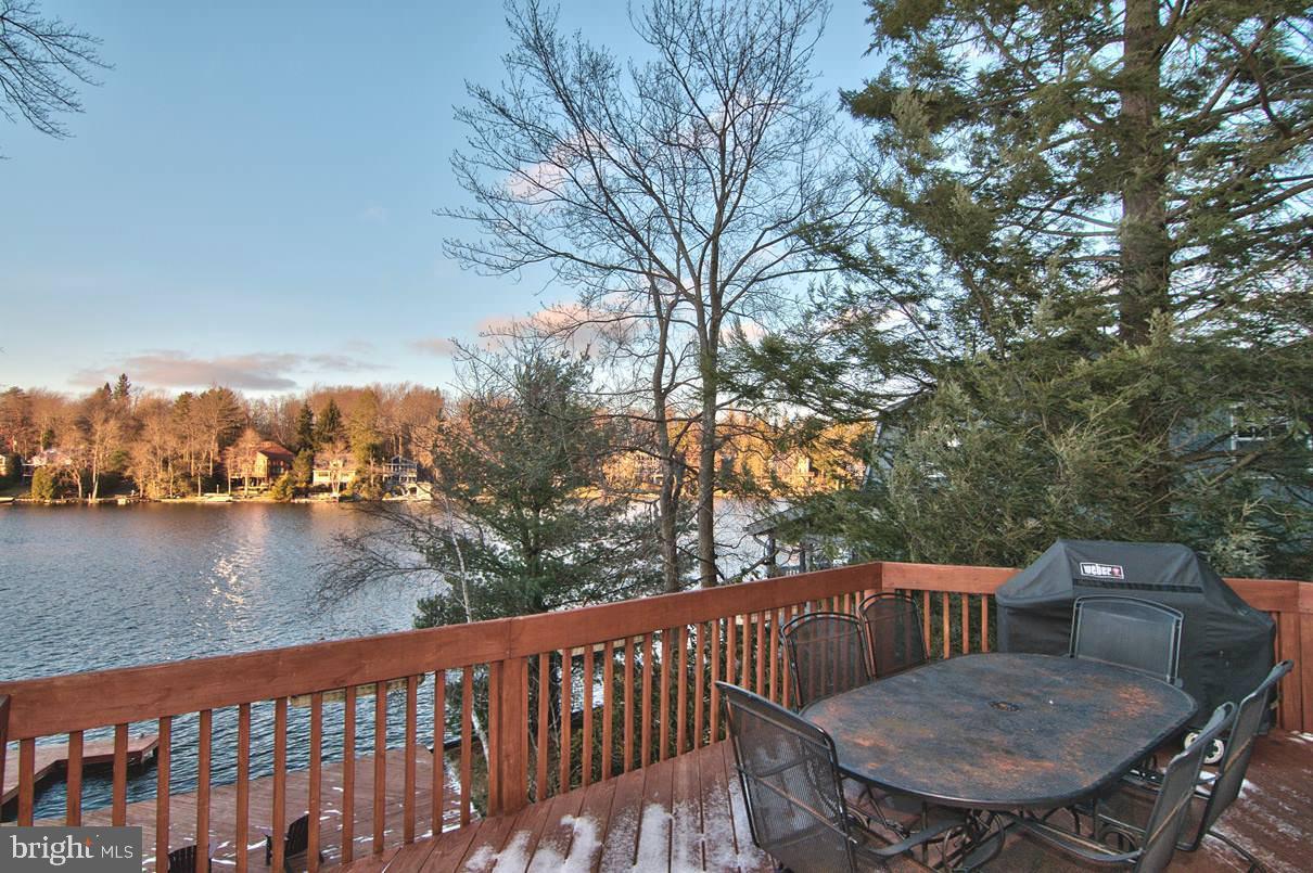 114 S Lake Drive Property Photo
