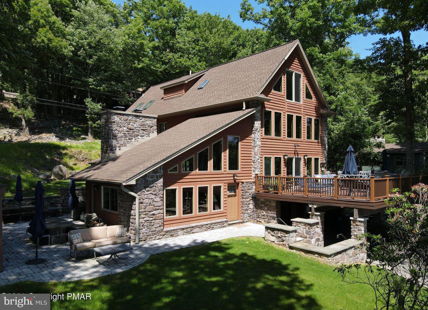 71 Lake Drive Property Photo