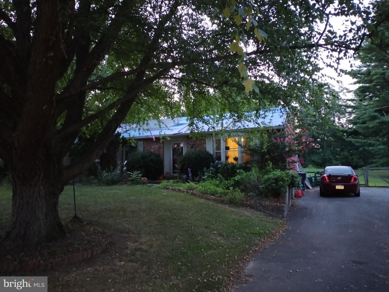 417 BUCK TOE ROAD Property Photo 1