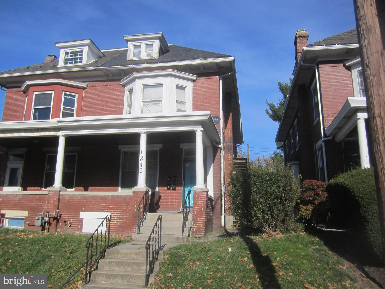 1842 MARKET STREET Property Photo 1