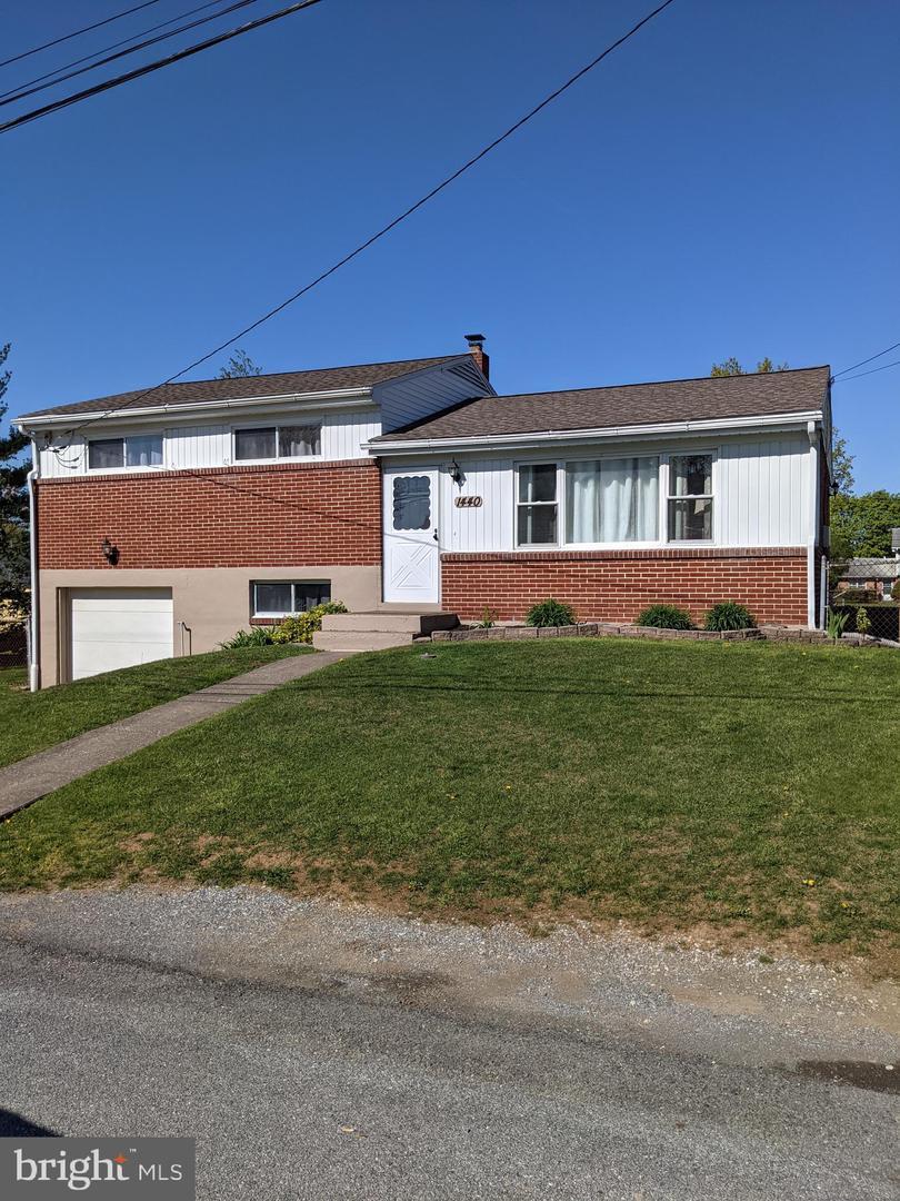 1440 RIEGLE ROAD Property Photo 1