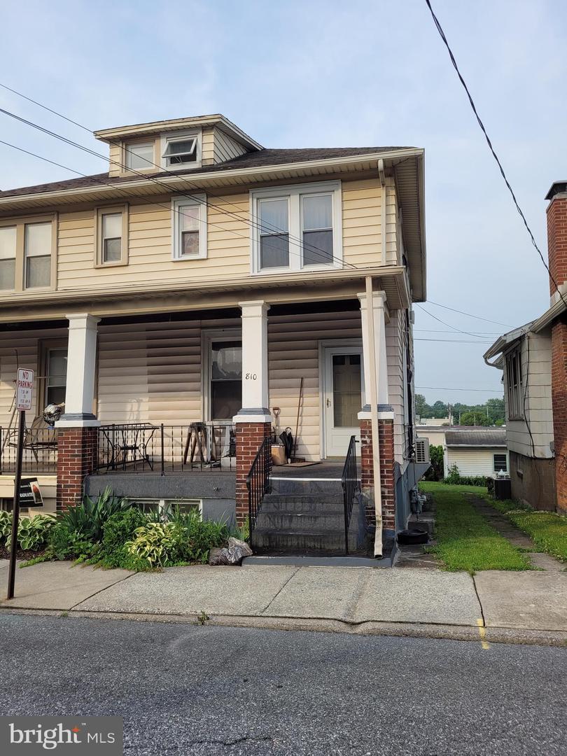 810 N 2nd Street Property Photo 1